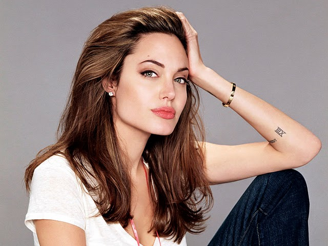 angelina-jolie-hot-pictures-photos-2012-1