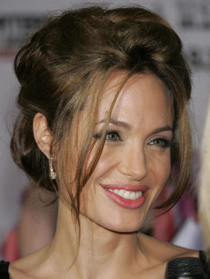 angelina-jolie-hot-pictures-photos-2012-4