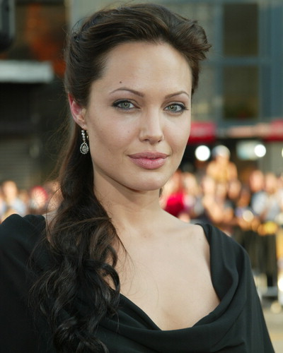 angelina-jolie-hot-pictures-photos-2012-7