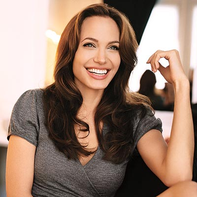 angelina-jolie-hot-pictures-photos-2012-8