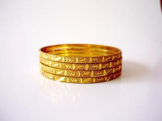 GOLD-BRIDAL-BANGLES-DESIGN 7