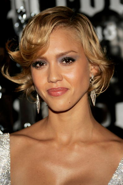 jessica-alba-new-latest-hot-hair-style-pic
