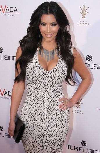 kim-kardashian-photoshoot-2012-7