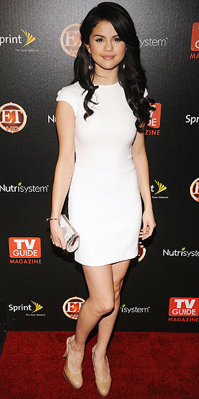 SELENA-GOMEZ-LATEST-NEW-DRESS-9