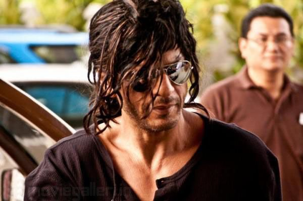 shahrukh-khan-in-don2-pics-pictures-5