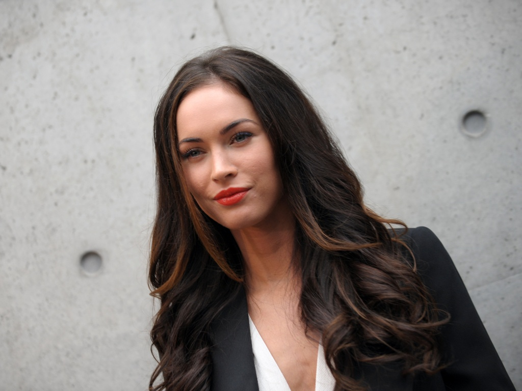 valentine's day roses: megan fox latest new pictures 2012-megan fox