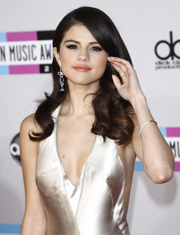 selena-gomez-latest-new-pictures-photoshoot-2012-selena-gomez- hot ...