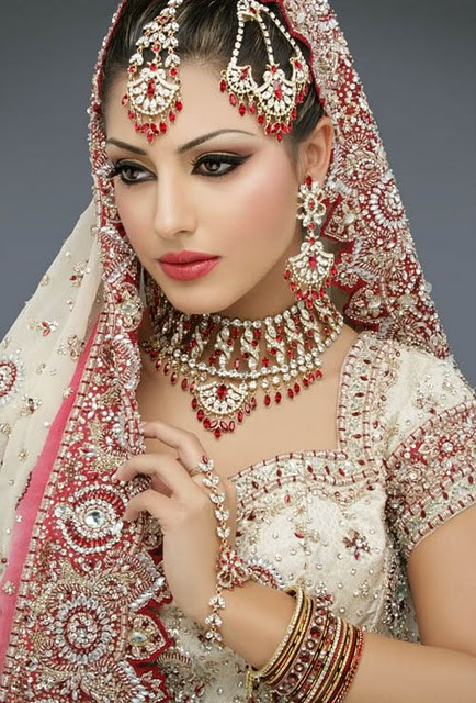Fashion style indian brides bridal wedding dress for Cheap pakistani wedding dresses