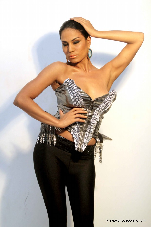 Veena-Malik-Hot-Photoshoot-to-Support-by-HomoSexuality-Photoshoot-2012-3