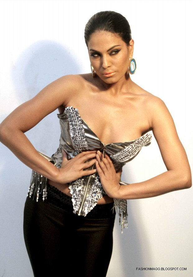 Veena-Malik-Hot-Photoshoot-to-Support-by-HomoSexuality-Photoshoot-2012-9