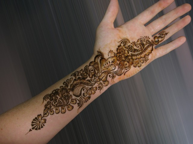 Eid-Mehndi-Design-Simple-Henna-Mehndi-Designs-2012-2013-4