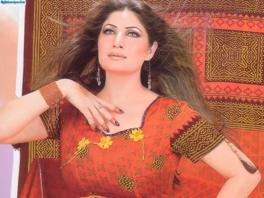 Saima-Biography-Biodata-Profile-of-Saima-