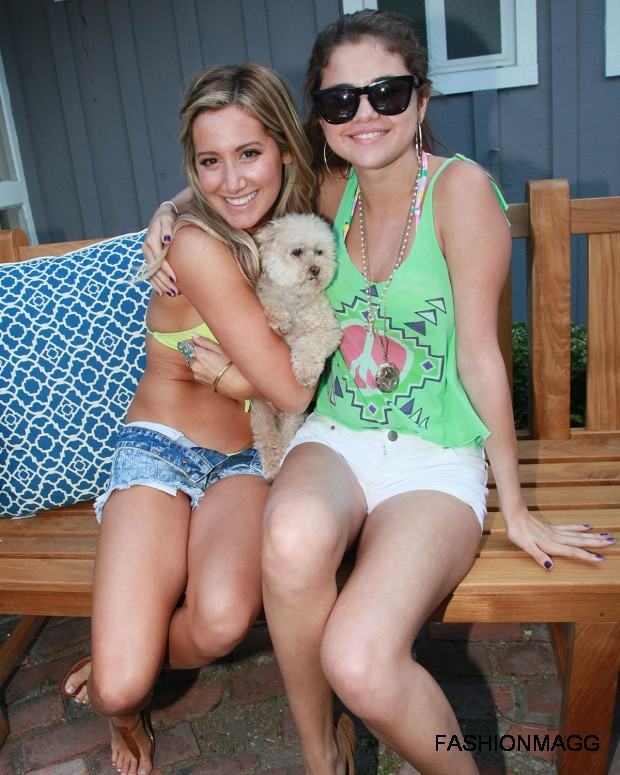 Selena-Gomez-at-Ashley-Tisdales-Beach-Party-Pictures-2012-3