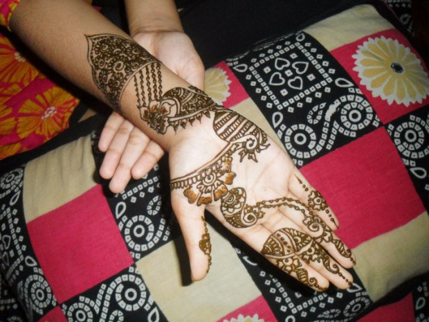 Beautiful-Eid-Mehndi-Designs-Simple-Easy-Hands-Foot-Mehndi-Designs-2012-1