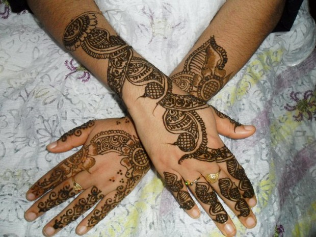 Beautiful-Eid-Mehndi-Designs-Simple-Easy-Hands-Foot-Mehndi-Designs-2012-2