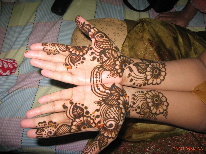 Beautiful-Eid-Mehndi-Designs-Simple-Easy-Hands-Mehndi-Designs-1