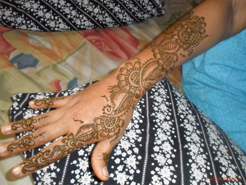 Beautiful-Eid-Mehndi-Designs-Simple-Easy-Hands-Mehndi-Designs-4
