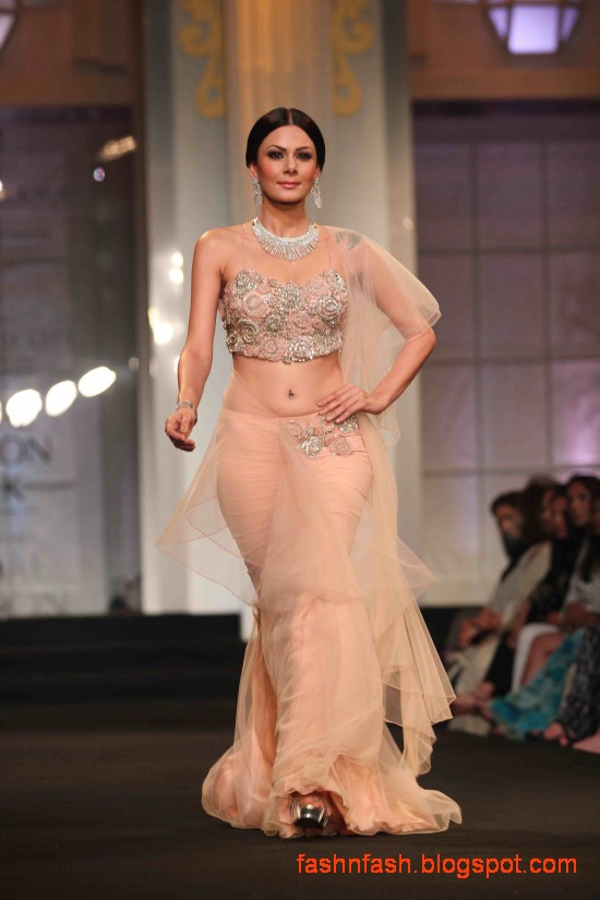 Indian-Pakistani-Bridal-Wedding-Dresses-2012-13-Bridal-Saree-Lehenga-Gharara-Dress-7