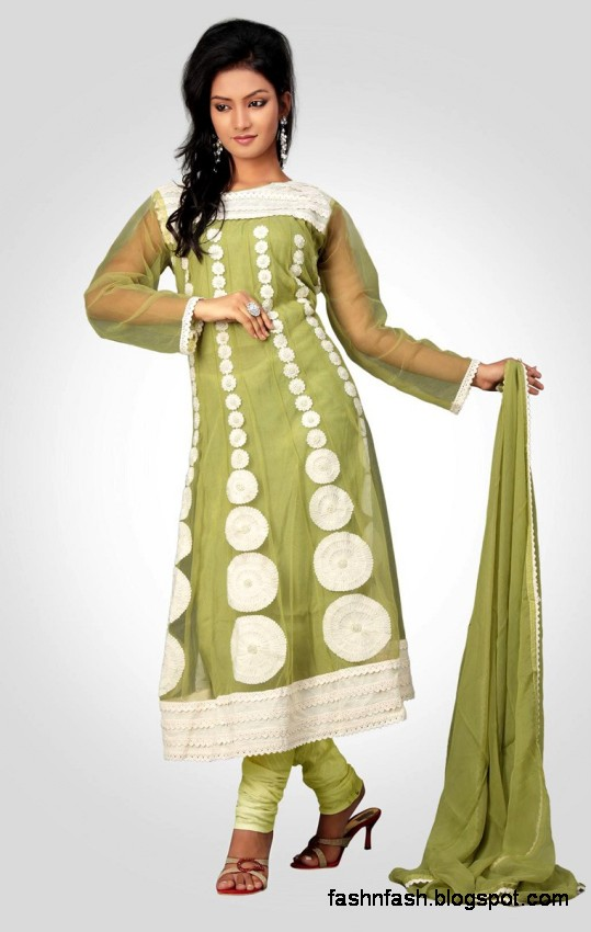 Anarkali-Winter-Frocks-Anarkali-Embroidered-Umbrella-Frocks-New-Fashion-Dress-Designs-5