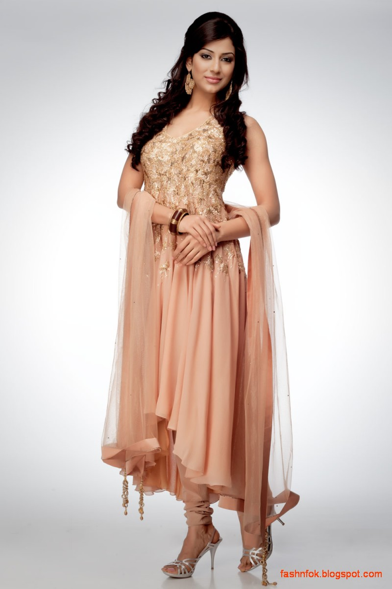 Shoes To Wear With Anarkali Suits