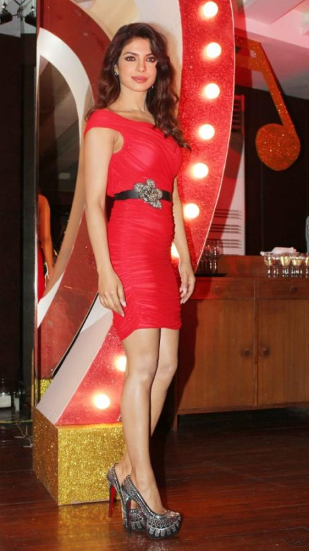 Priyanka-Chopra-At-Launch-Of-Babli-Badmaash-Movie-Song-Pictures-Photos-9