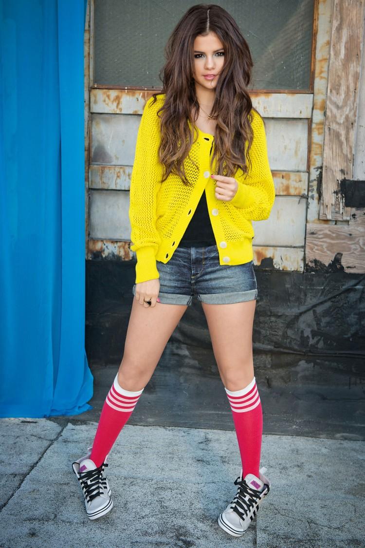 Selena-Gomez-Adidas-Neo-Photoshoot-Pictures-9