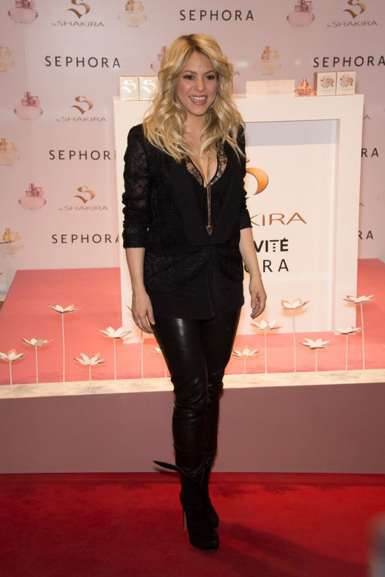 Shakira-at-S-By-Shakira-Perfume-Launch-in-Paris-Pictures-Photos-5