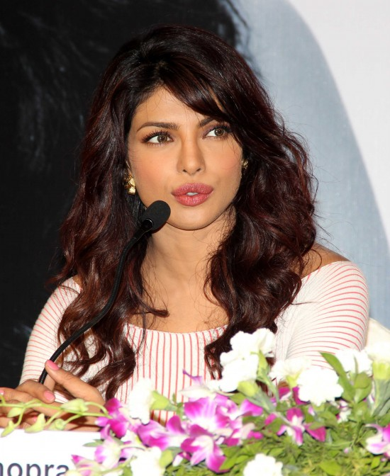 Priyanka-Chopra-Bollywood-Indian-Celebrities-Launch-Unicef-Mobile-Application-Photos-1