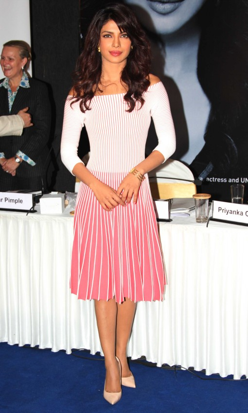 Priyanka-Chopra-Bollywood-Indian-Celebrities-Launch-Unicef-Mobile-Application-Photos-2