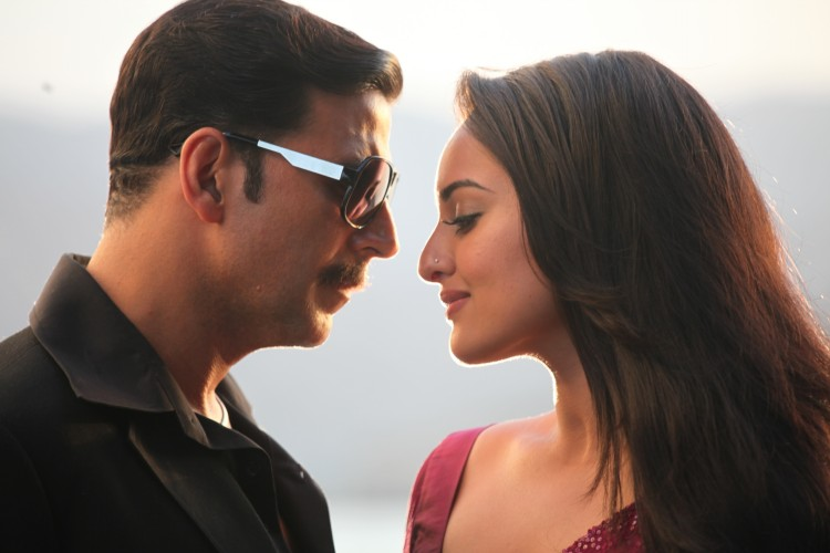Akshay-Sonakshi-Imran-Once-Upon-a-time-in-Mumbai-Dobara-Movie-Stills-Pictures-5