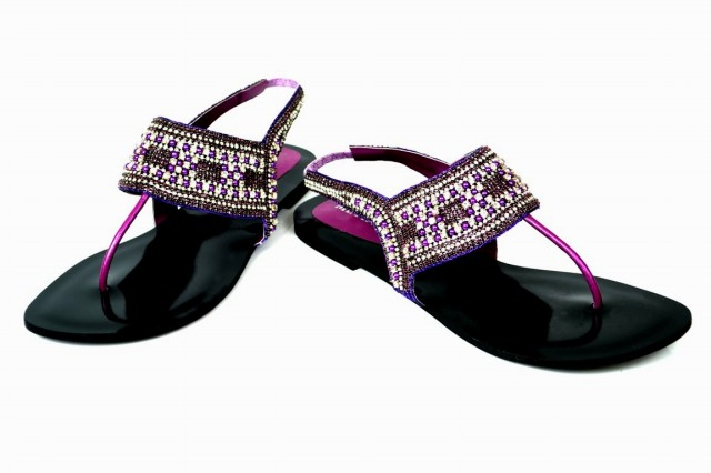 Girls-Womens-Beautiful-Fancy-Flat-Shoes-Eid-Footwear-Collection-2013-by-Metro-Shoes-5