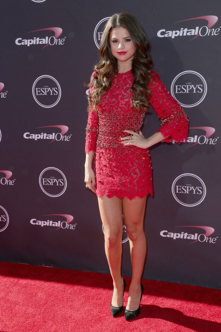 Selena-Gomez- at-2013-ESPY-Awards-in-Los-Angeles-Pictures-Image-5