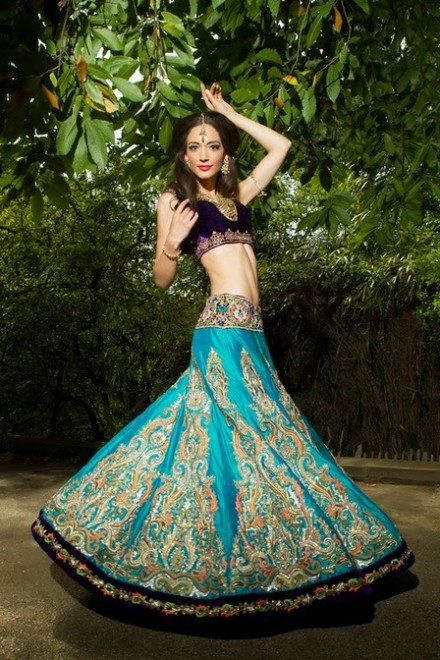 Beautiful-Girls-Wear-Wedding-Bridal-Dress-Designs-2013-14-New-Latest-Suits-by-Ekta-Solanki-7