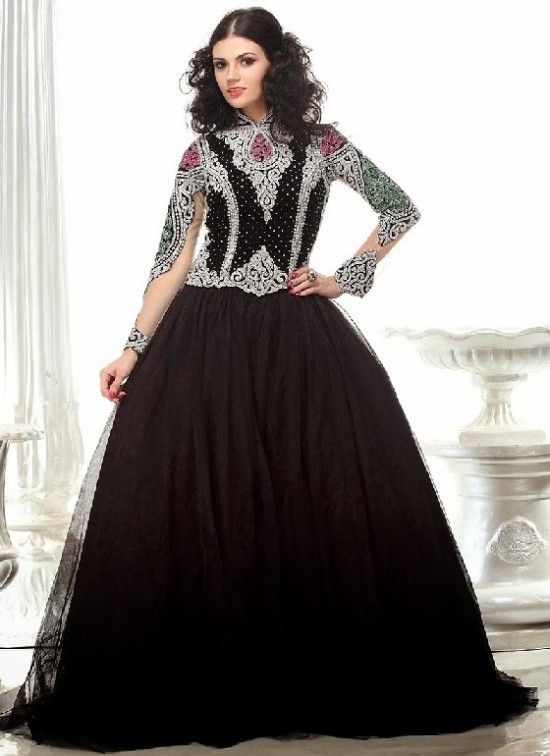 Beautiful-Indian-Brides-Bridal-Gowns-For-Girls-New-Fashion-Dress-2013-5