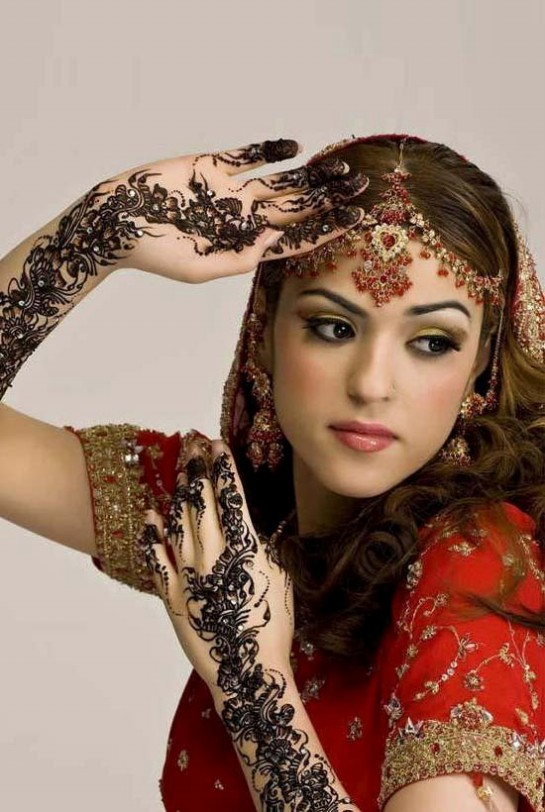 Video Description: Pakistani Bridal Hair Style New Idea - Vidéo