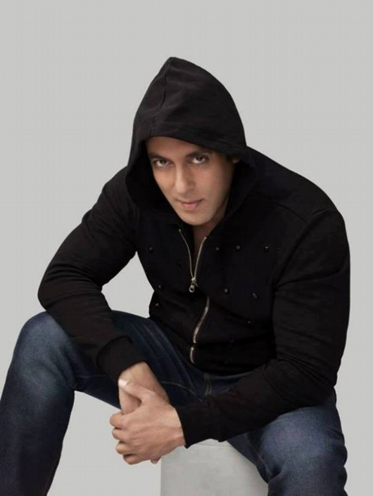Salman-Khan-Photoshoot-For-Splash-Fashionable-Winter-Clothes-Collection-Mens-Wear-Suits-5