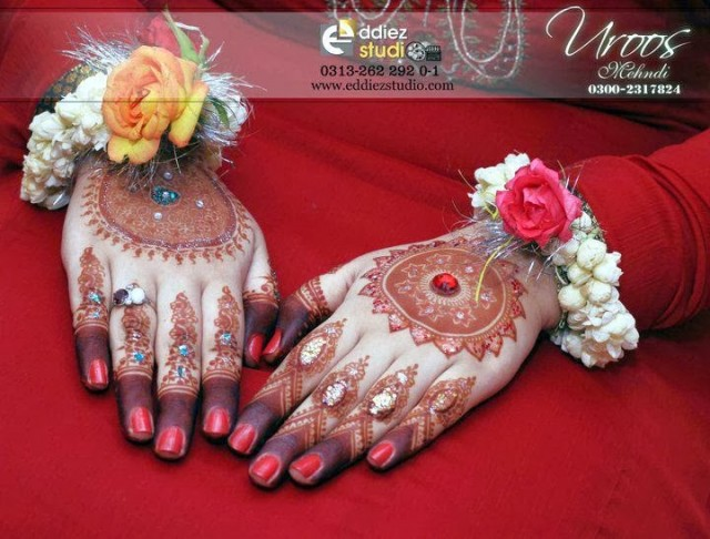 Beautiful-Eid-Mehndi-Designs For-Hand-Feet-Arabic-Henna-Mehndi-Designs-Bridal-Wedding-3