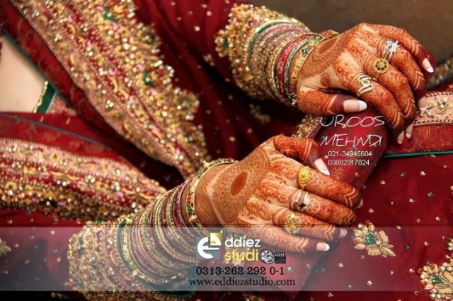 Beautiful-Eid-Mehndi-Designs For-Hand-Feet-Arabic-Henna-Mehndi-Designs-Bridal-Wedding-5