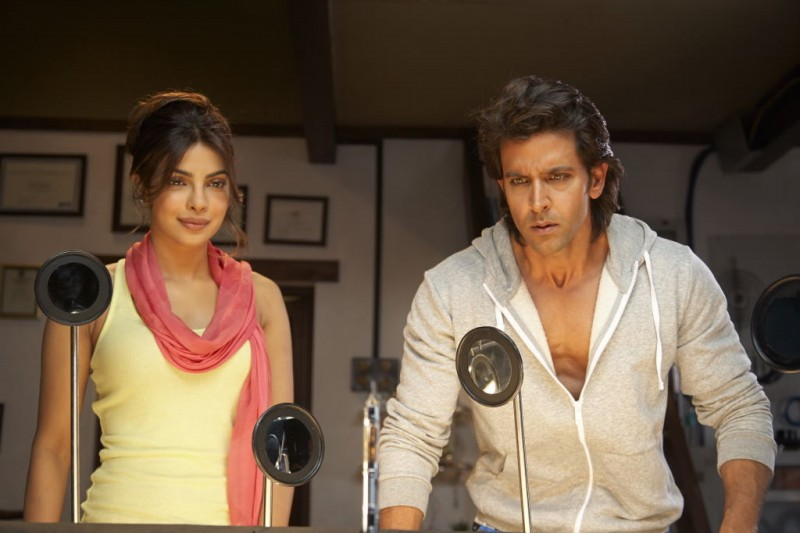 Hrithik-Roshan-and-Priyanka-Chopra-at-Krish-3-Movie-Stills-Trailer-Photo-Pictures-1