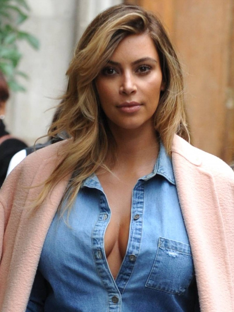 Kim Kardashian Cleavage Candids in Paris Pictures-Image - Indian ...