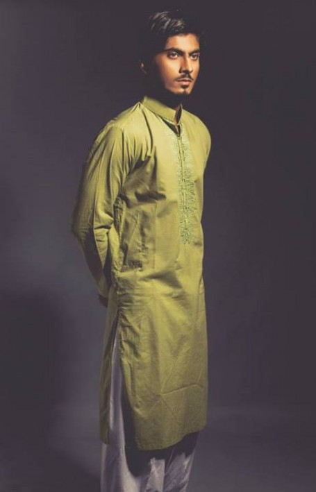 New-Look-Mens-Gents-Wear-Embriodered-Kurtas-Salwar-2013-14-By-Deepak-n-Fahad-7