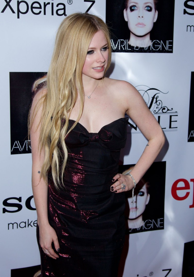 Avril-Lavigne-at-Her-New-Album-Release-Party-in-Newyork-Pictures-Image-2