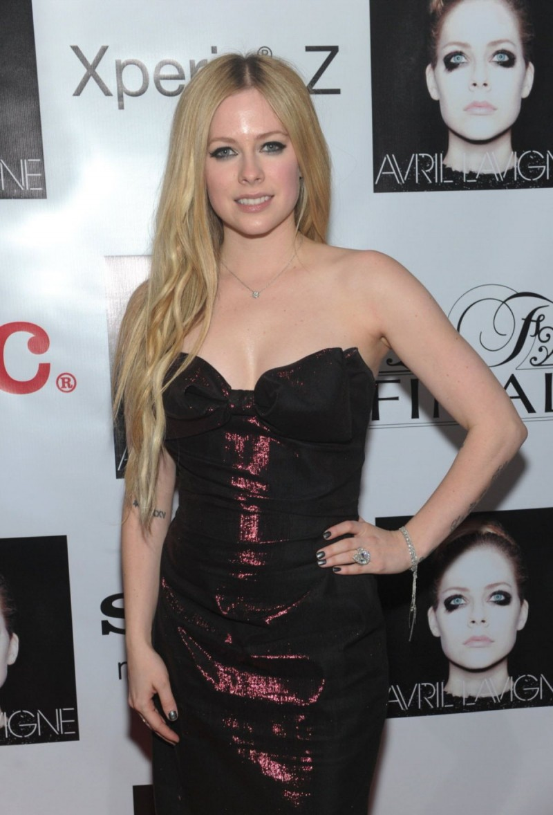 Avril-Lavigne-at-Her-New-Album-Release-Party-in-Newyork-Pictures-Image-6