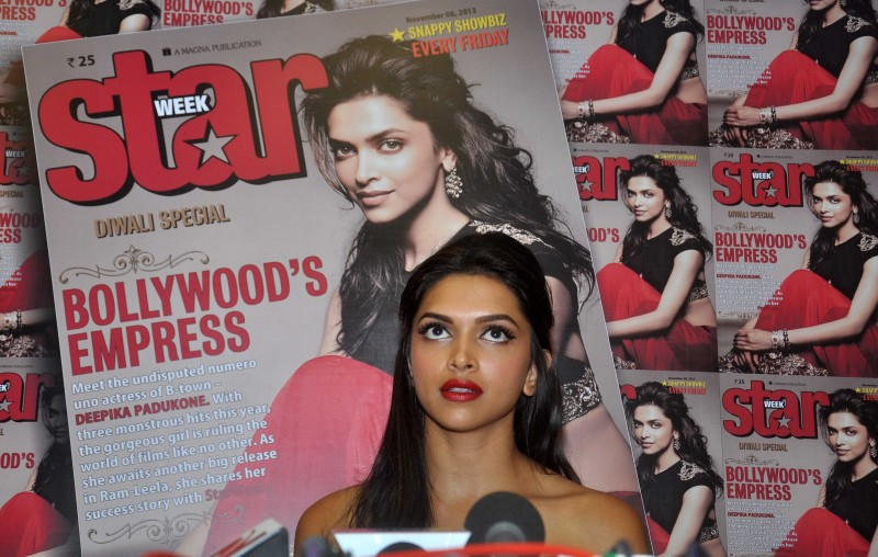 Deepika-Padukone-Launch-Star-Week-Diwali-Edition-Magazine-Photoshoot-Image-2