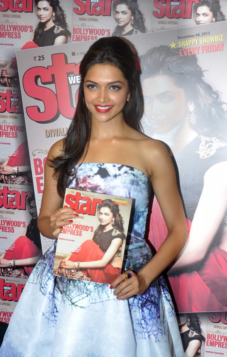 Deepika-Padukone-Launch-Star-Week-Diwali-Edition-Magazine-Photoshoot-Image-5
