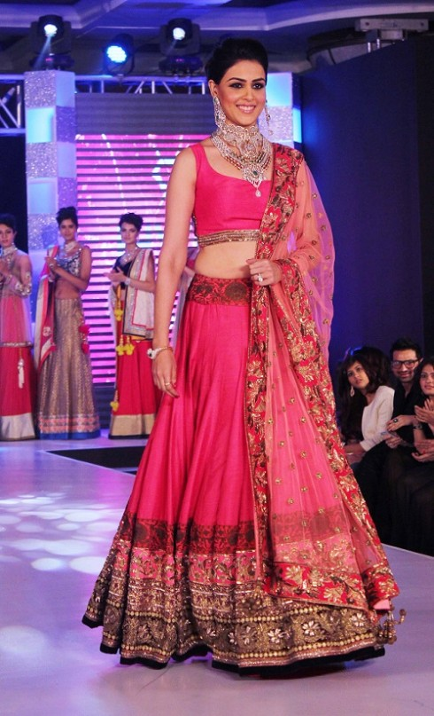 Genelia-Dsouza-Ramp-Walks-for H V Jewels Show Pictures 3
