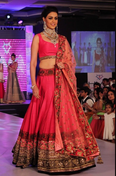 Genelia-Dsouza-Ramp-Walks-for H V Jewels Show Pictures 2