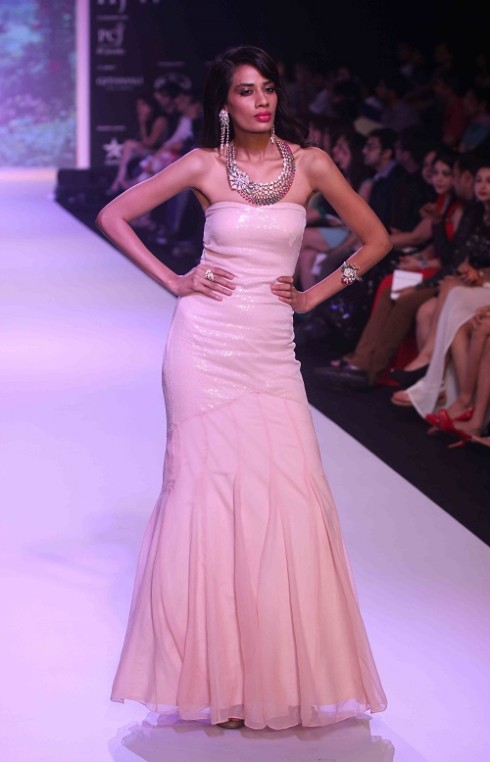 kashi Jewels Show at IIJW 2013 Day 4 Pictures 8