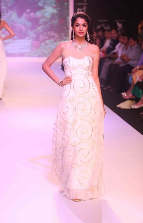 kashi Jewels Show at IIJW 2013 Day 4 Pictures 9
