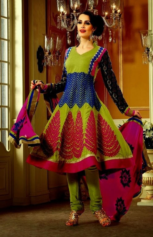 Sonali Bendre In Bollywood Anarkali Suits (4)